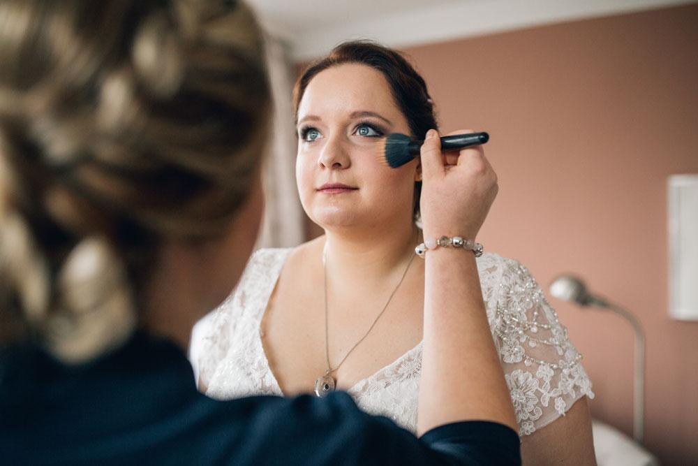 Von Schwester zu Schwester: Hochzeits-Make-Up. © Rosendomizil